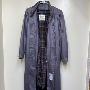Vintage London Fog Gray Trench with removable line